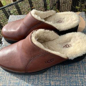 UGG Saddle Mules w/ fur interior. NEVER worn.